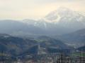 Blick von der Bergstation auf Berg Isel und Serles