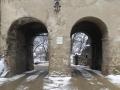 Straße durch die Stadtmauer