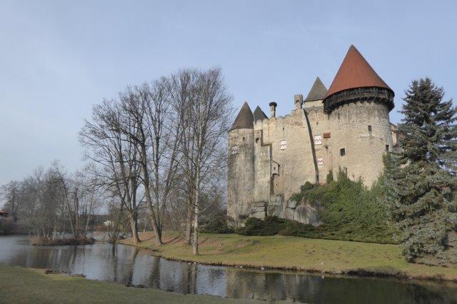 Bildergebnis für Burg Heidenreichstein