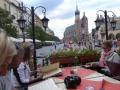 in einem Cafe auf dem Hauptplatz in Krakau