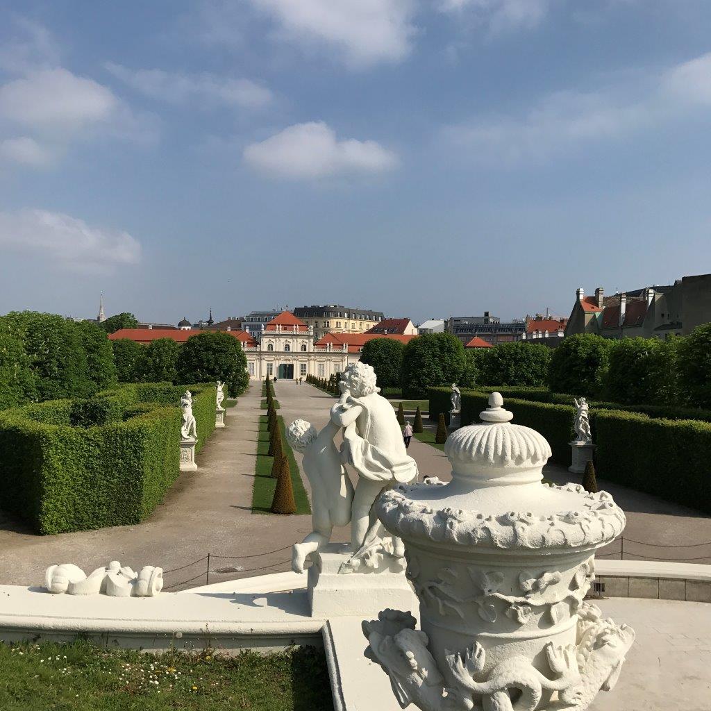 Blick zum Unteren Belvedere