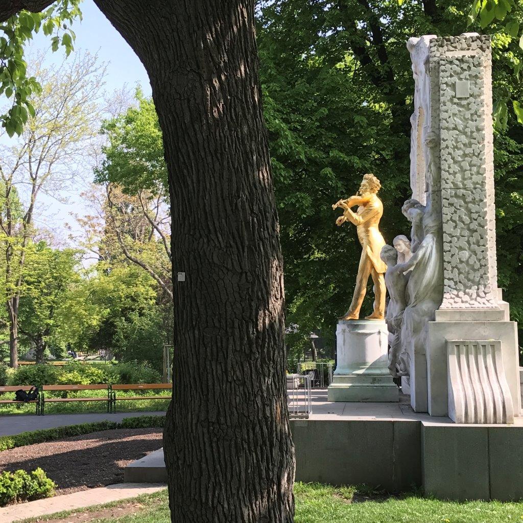 Johann-Strauß-Denkmal