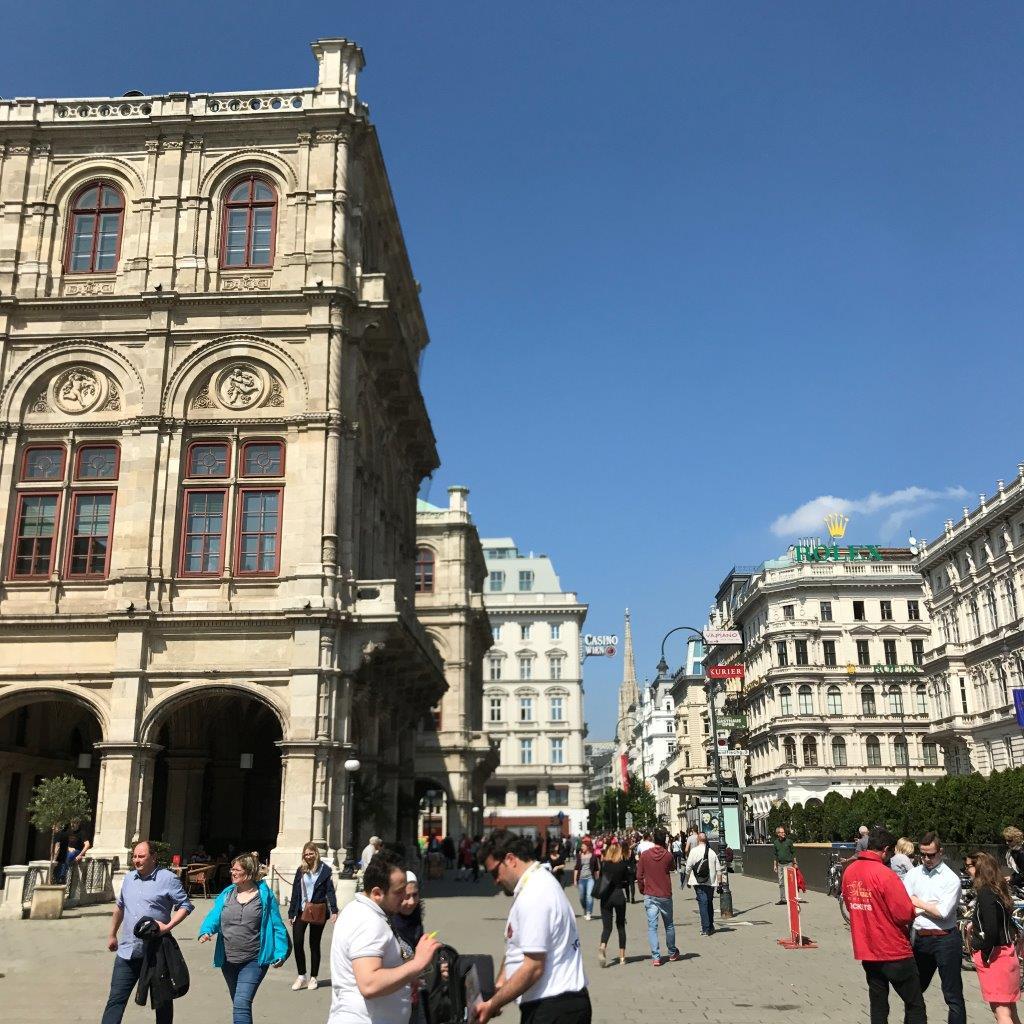 Wiener Staatsoper und Kärntner Straße