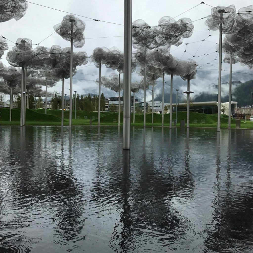Kristallwolke und Spiegelwasser