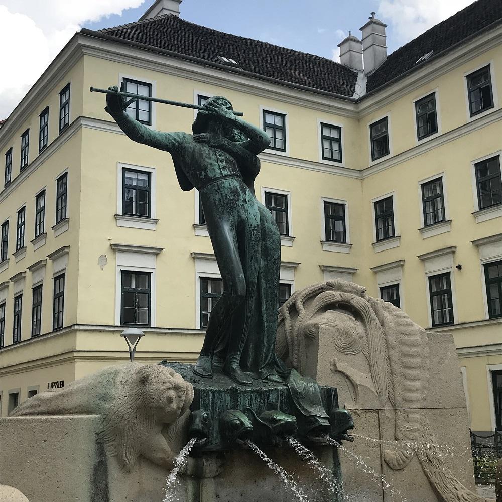 Zauberflötenbrunnen