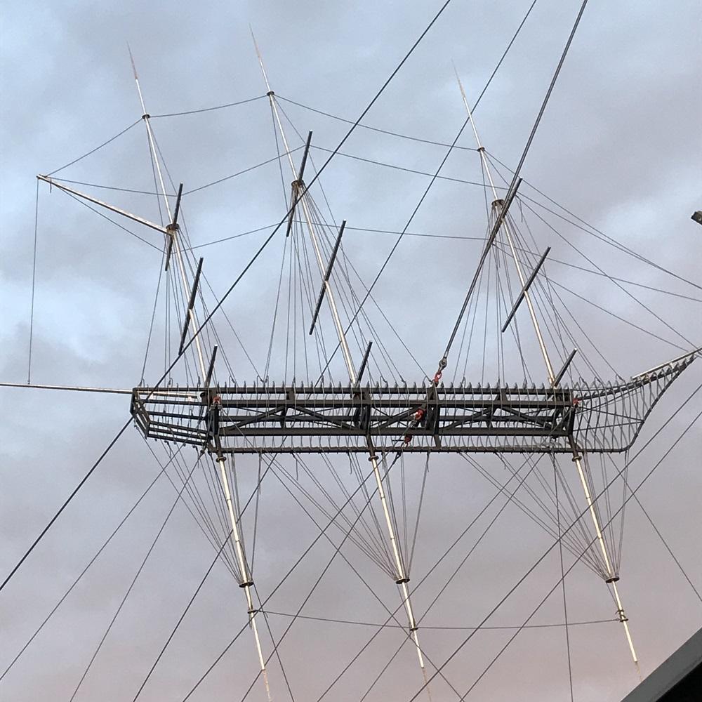 """""""Flying Ship"""" des russischen Künstlers Alexander Ponomarev"""