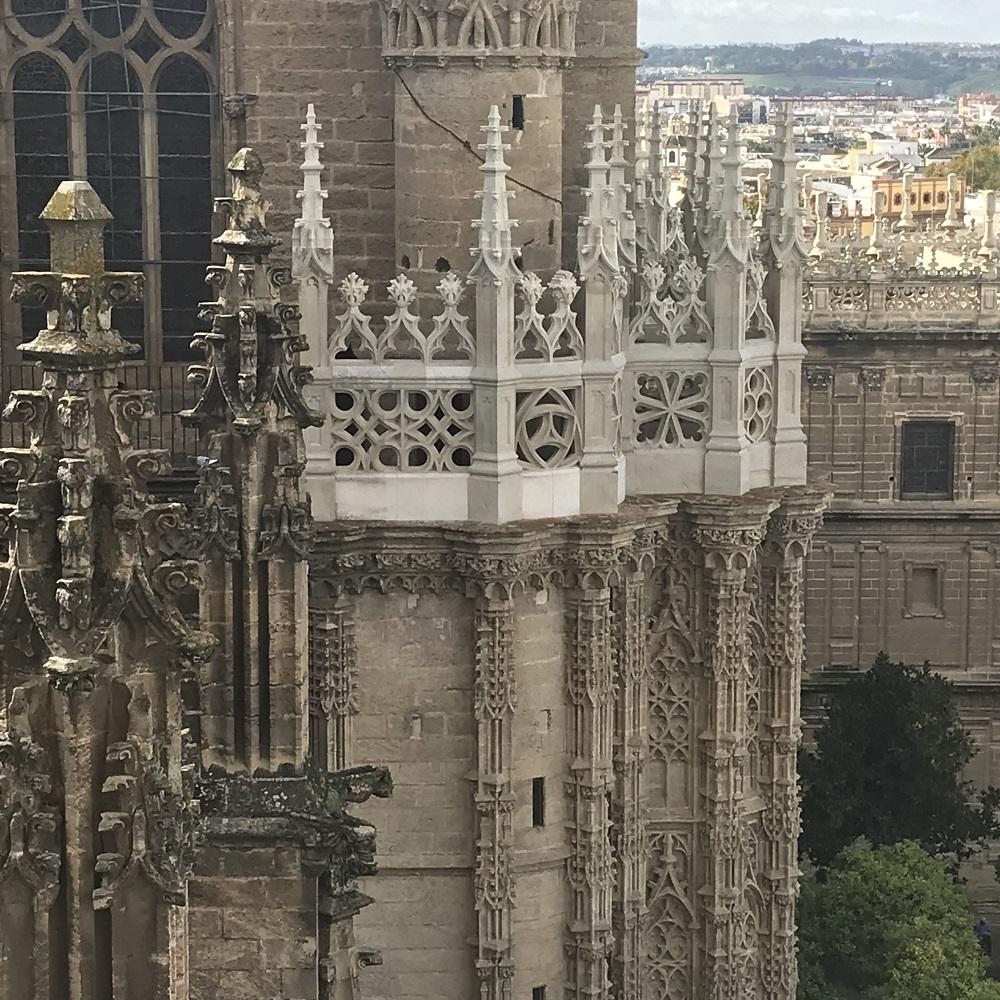 Blick von der Giralda auf die Kathedrale