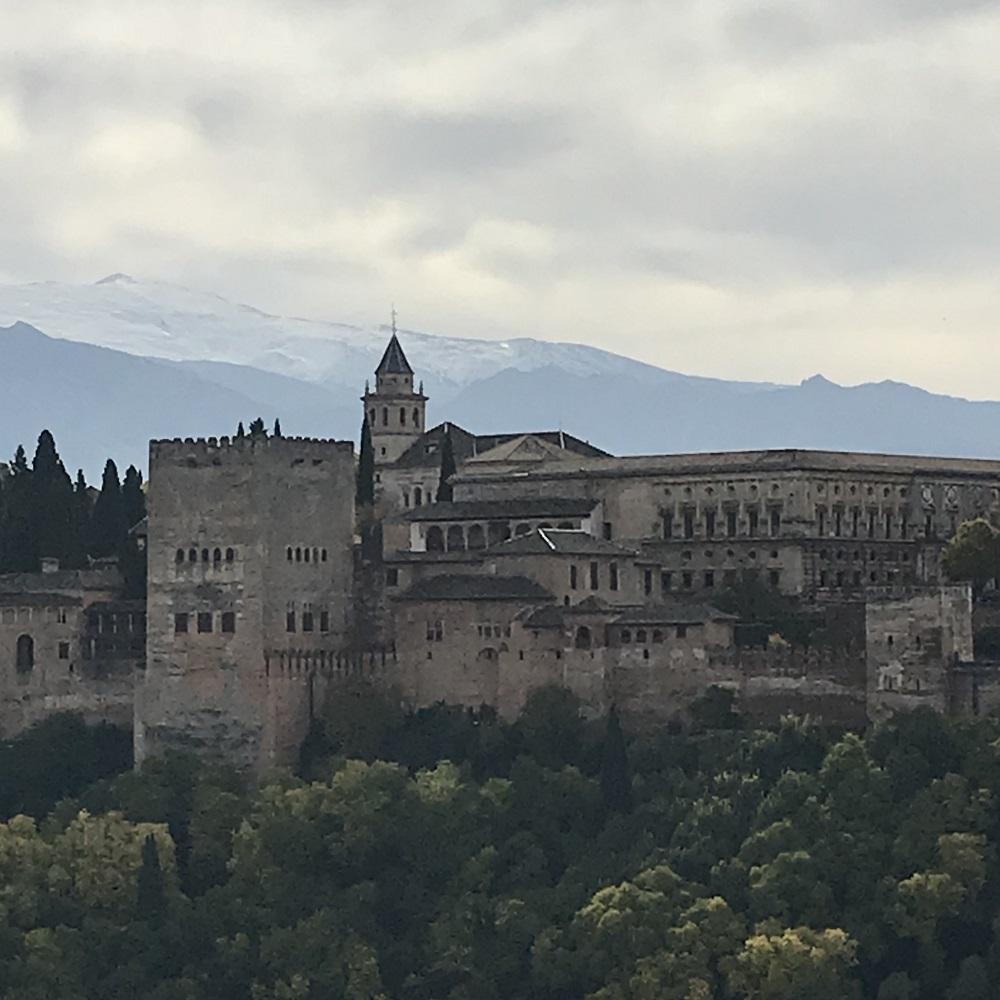 Alhambra mit Sierra Nevada